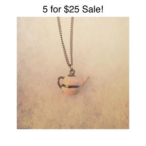 Jewelry - Teapot Necklace